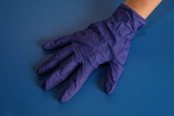 rękawiczki pierwsza pomoc